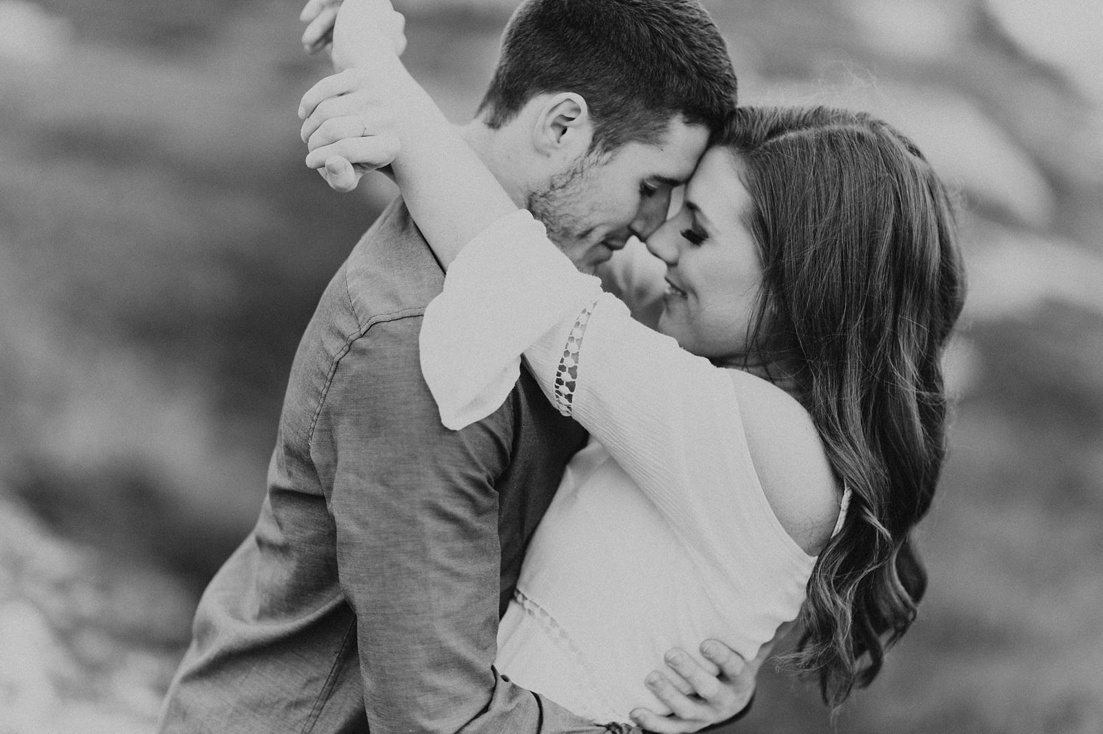 Halifax-Wedding-Photographer_Annie&Ryan_Ocean-Engagement-Shoot_15.jpg
