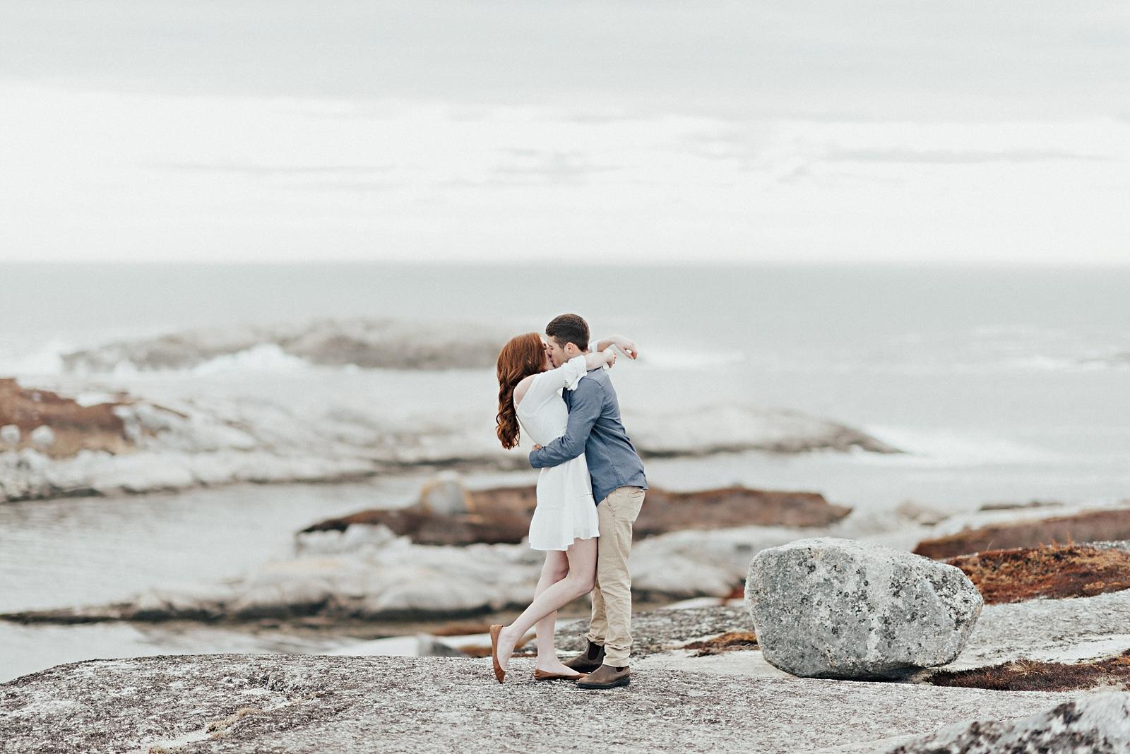 Halifax-Wedding-Photographer_Annie&Ryan_Ocean-Engagement-Shoot_19.jpg