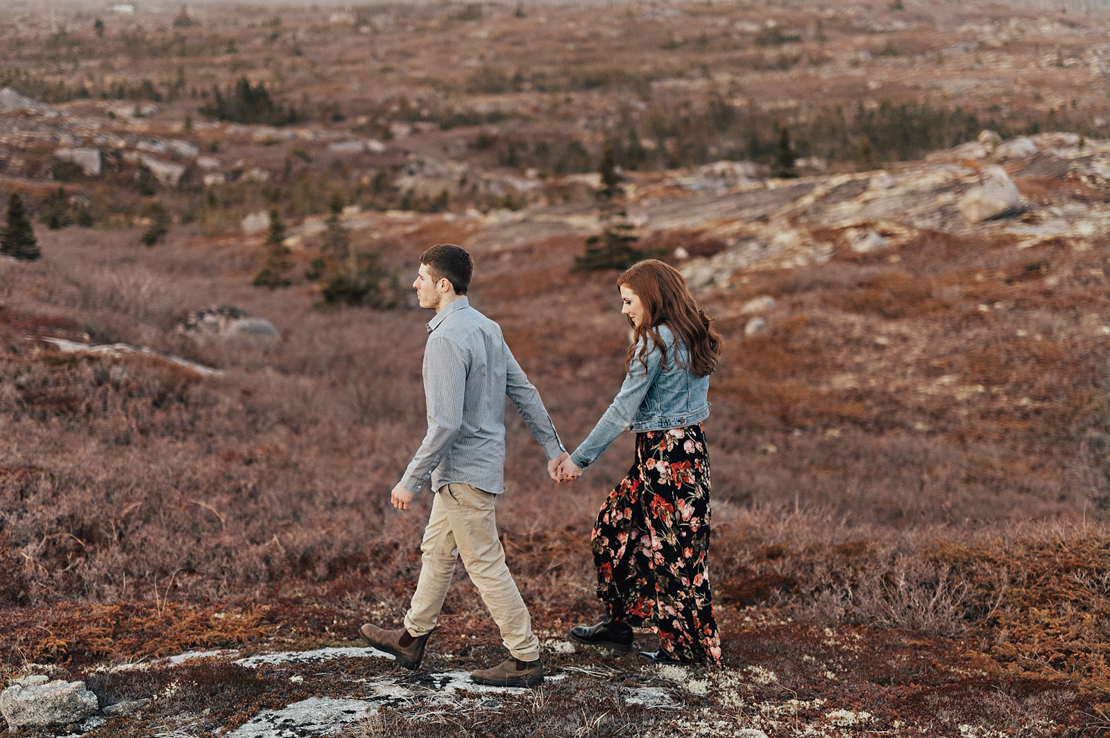 Halifax-Wedding-Photographer_Annie&Ryan_Ocean-Engagement-Shoot_27.jpg