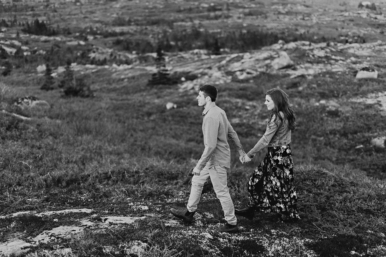 Halifax-Wedding-Photographer_Annie&Ryan_Ocean-Engagement-Shoot_32.jpg