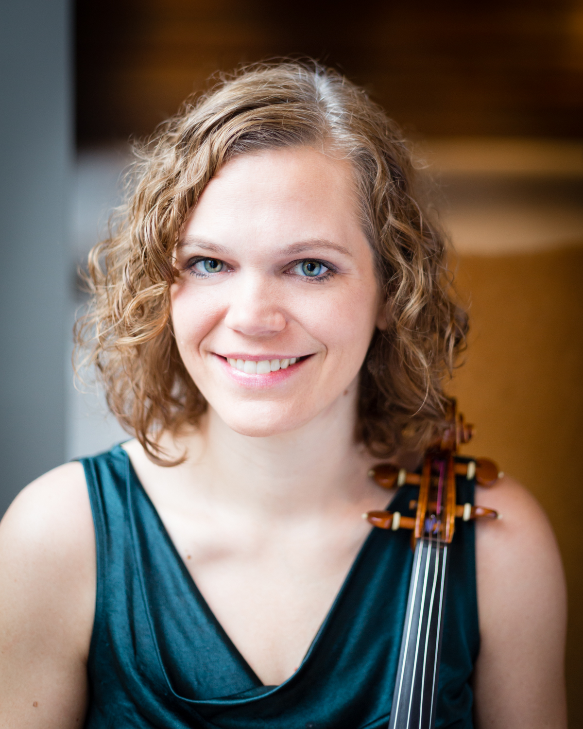 Andra Kulans, Violinist, Violist Client Liaison, Founding Member  DePaul University School of Music  Every quartet needs a resident rock star. Yes, Andra's classically trained, but much of her freelance work has been recording for and playing with local and national bands. She has performed on Late Night with Jimmy Fallon, The Jimmy Kimmel Show, and Conan, and has toured North America and Europe with various bands including Grammy Award-winner Glen Hansard, Iron & Wine, Bill Callahan, Rilo Kiley, Belle and Sebastian, and was a member of Chicago-based band The 1900's. When she's not on the big stage or playing with QP, she also works as a private violin instructor. And did we mention that she plays violin and viola? That makes her a pretty valuable asset.  Andra's teachers have included Mark Zinger, violin, and Rami Solomonow, viola.