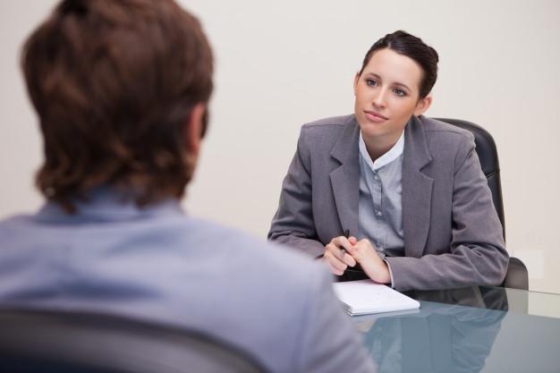 businesswoman-listening-to-her-business-partner_13339-229555.jpg