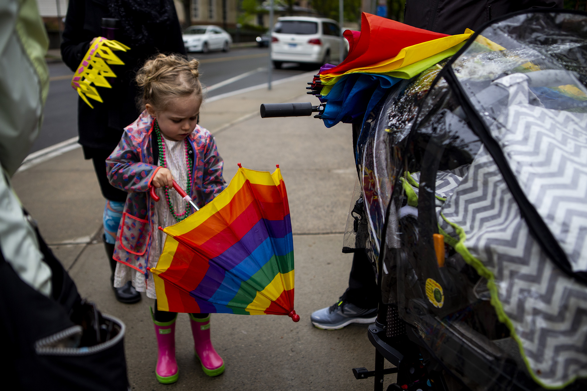 rainbow-umbrella-child-photography.jpg
