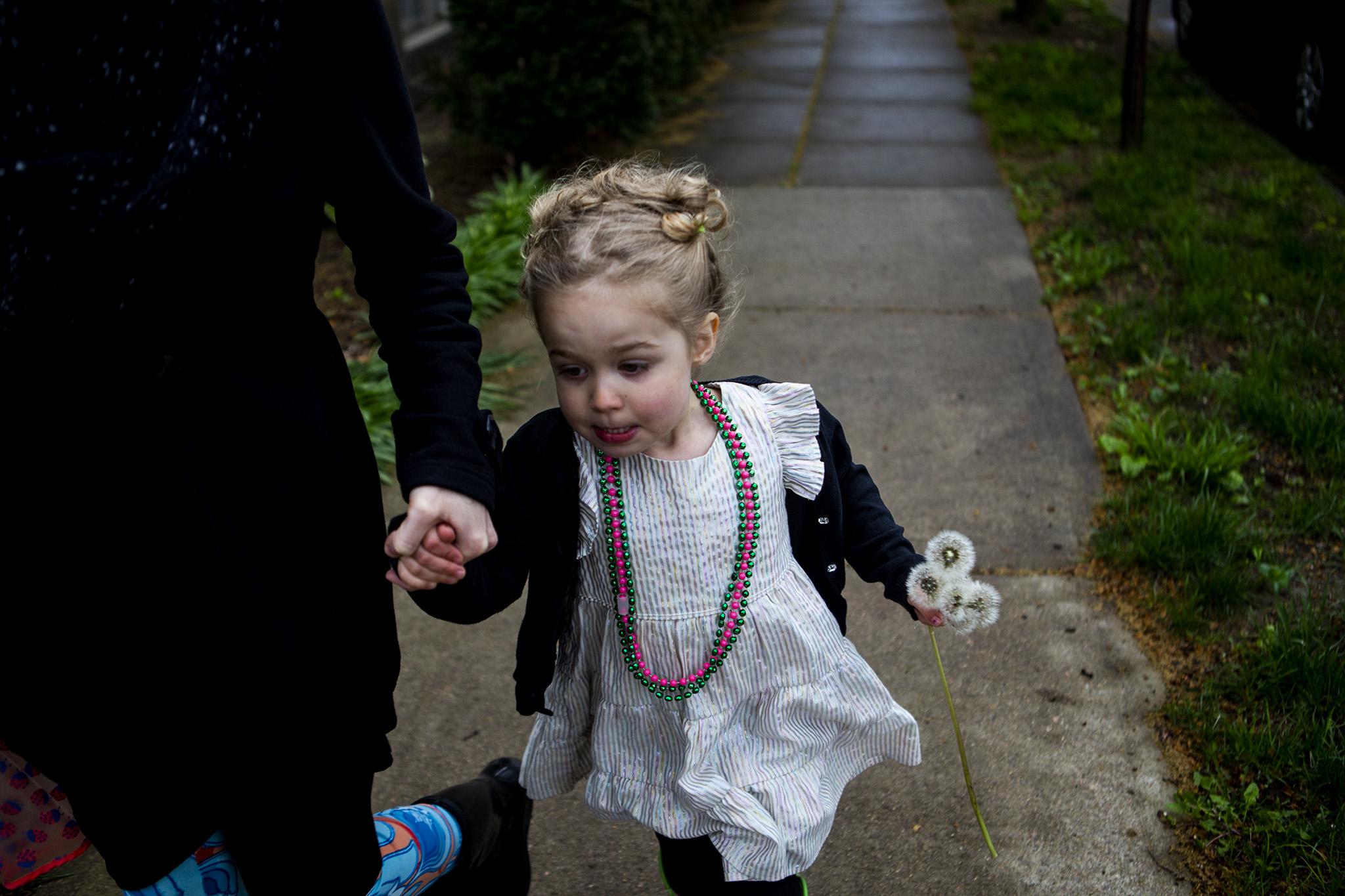 expressive-child-portriat-dandelion.jpg