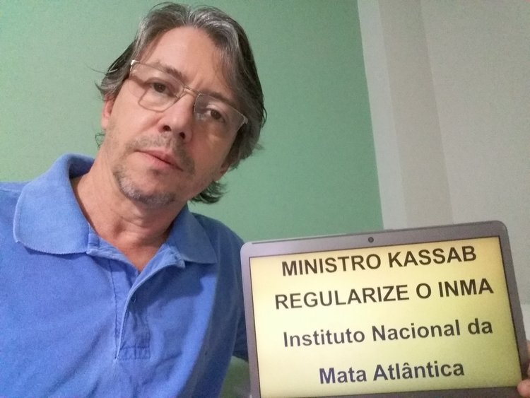 O professor agora luta pela regularização (foto: arquivo pessoal)