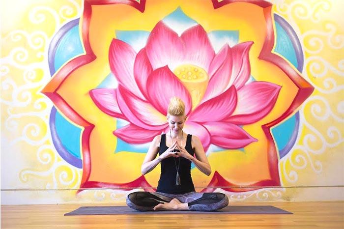 yoga-adventuresworld-wide.jpg