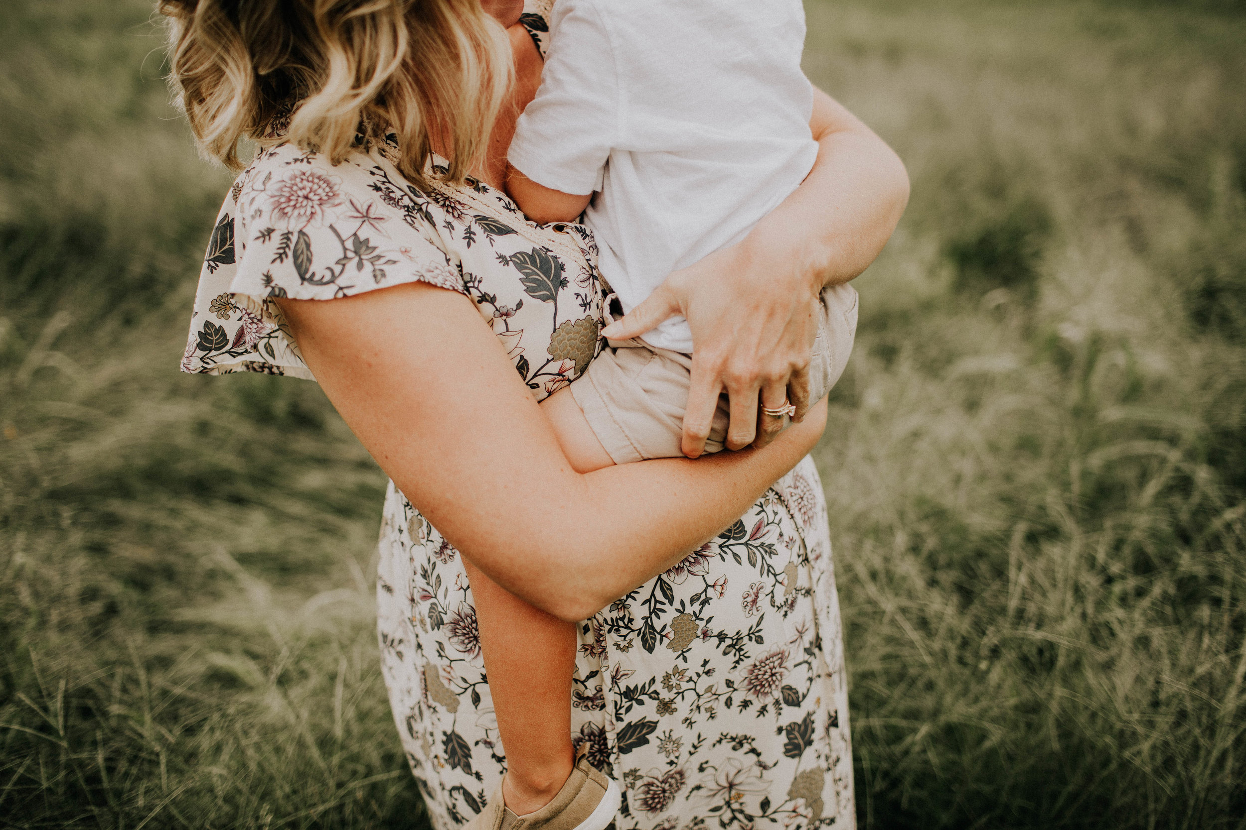 - Wanting to document the miracle your body is growing? All we need is a short session to let you remember these sweet moments prior to the arrival of your newborn. 20 minute session in studio or outdoors. $100 retainer fee at the time of booking. $175 remaining balance the day of your session.