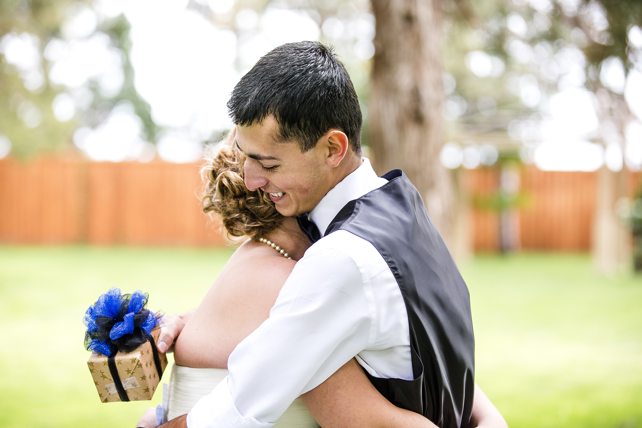 Romantic, Walnut Tree Weddings, gifts, First Look