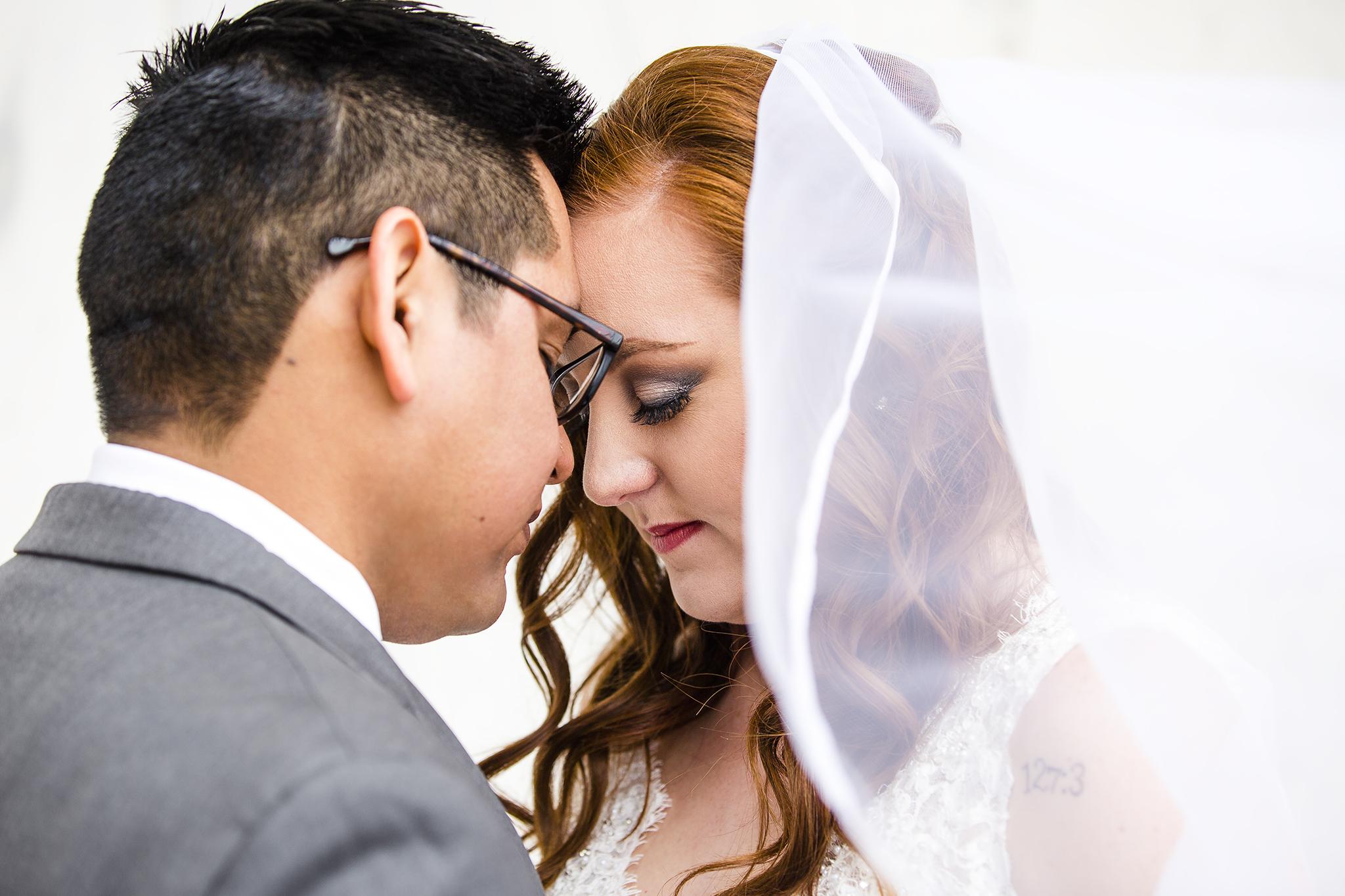 bride and groom, wedding portraits, romantic, sweet, beautiful natural light