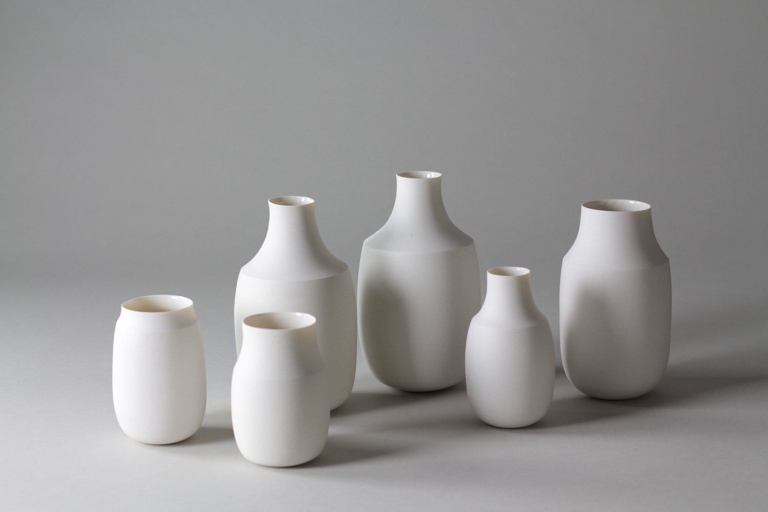 I've said it before and I'll say it again, simple is always beautiful. i'm obsessed with These ceramic vases by Lilith Rocket.