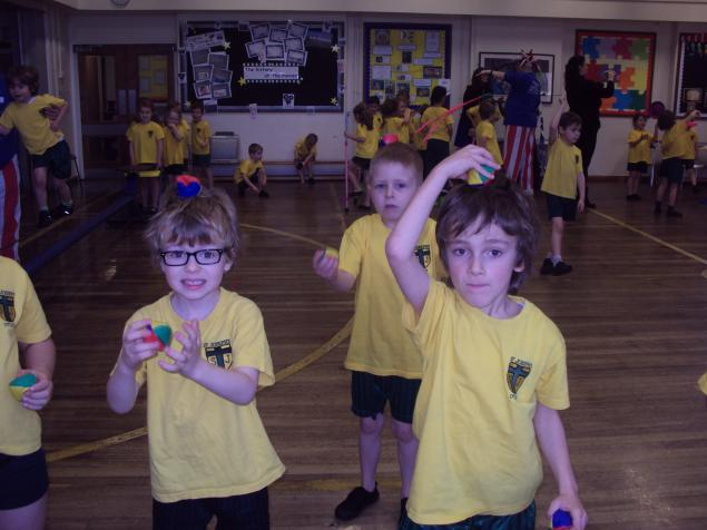 We learnt how to juggle with 3 balls.