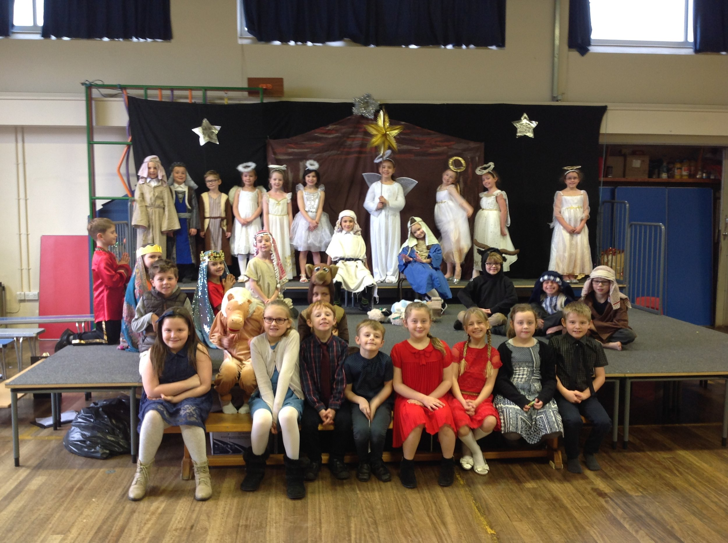 The cast of the 2016 French Nativity: Year 3