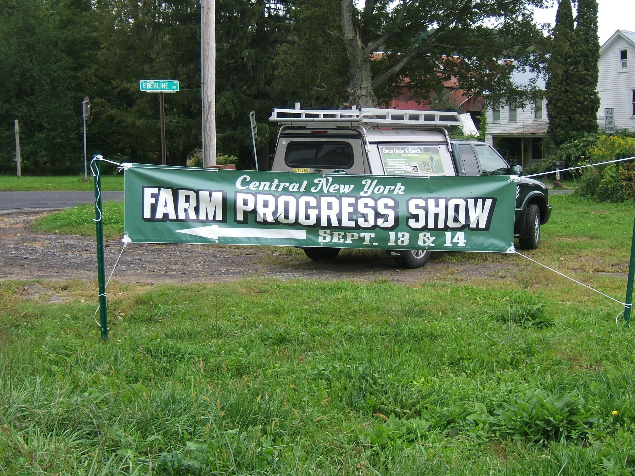 FARM PROGRESS 2006 B GREEN1.JPG