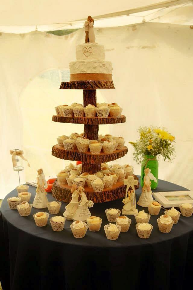 Copy of rustic wedding cake cupcakes