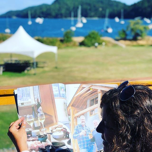 @ship_to_shore magazine makes some great reading on our patio! Not only are some of our sister marinas featured in the most recent issue (@millbaymarina @portsidneymarina) but it also features great businesses, artists & chefs around the south coast like @schoonerlanedesigns. • • • • #📷 @kelownashauna #shiptoshore #shiptoshoremagazine #penderisland #portbrowningmarina