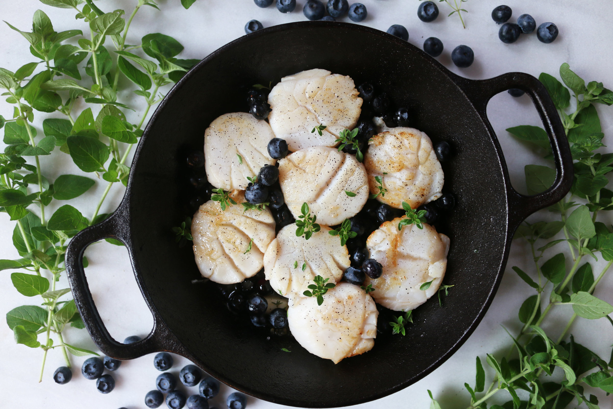 whitebalsamic-blueberry-seared-scallops-culinarywitch