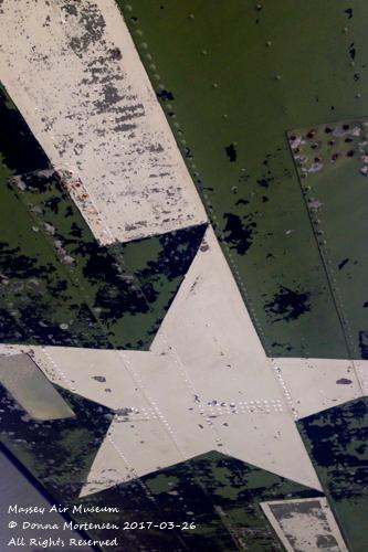 DC-3/C-47 wing graphics
