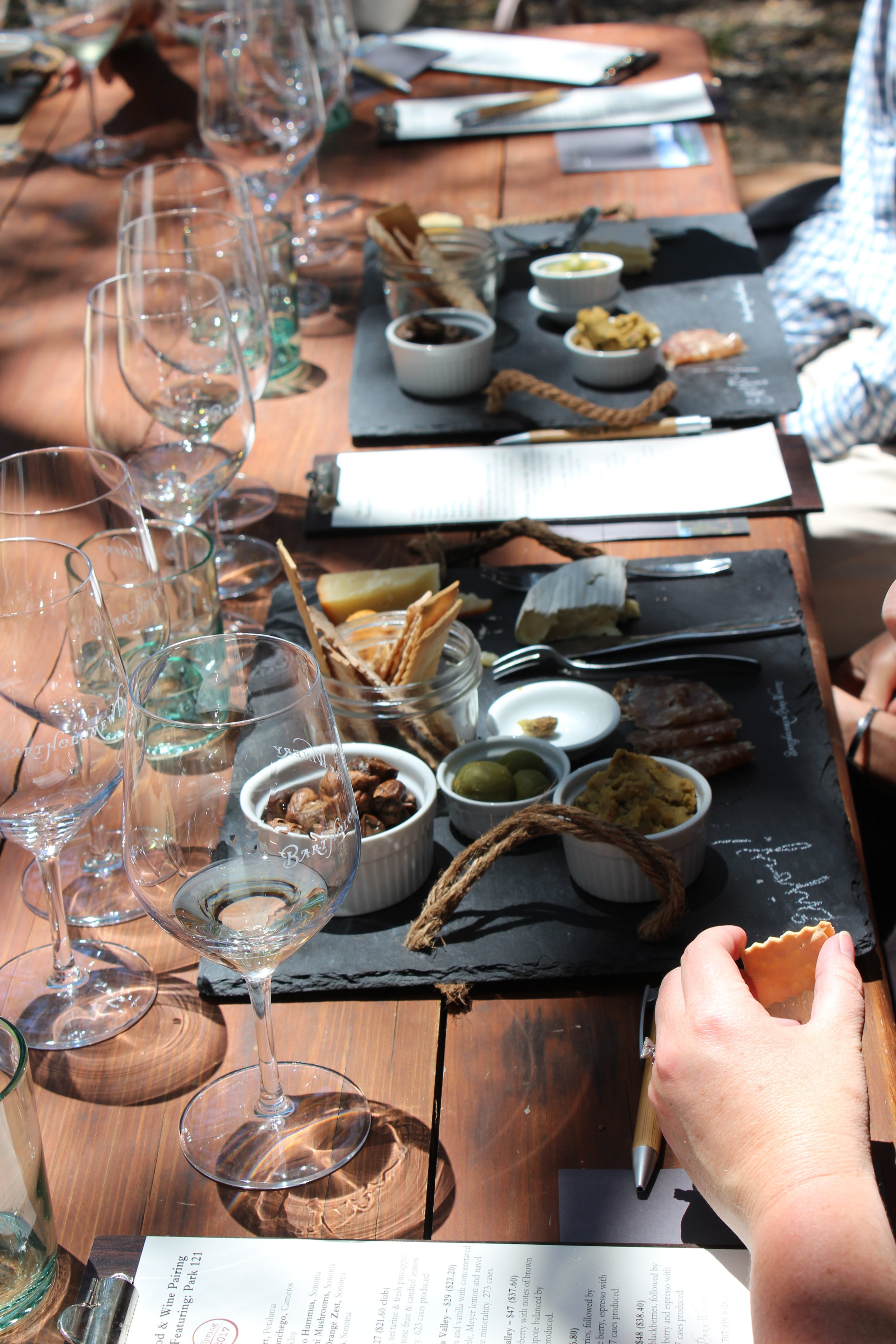 table-settings-for-food-and-wine-pairing