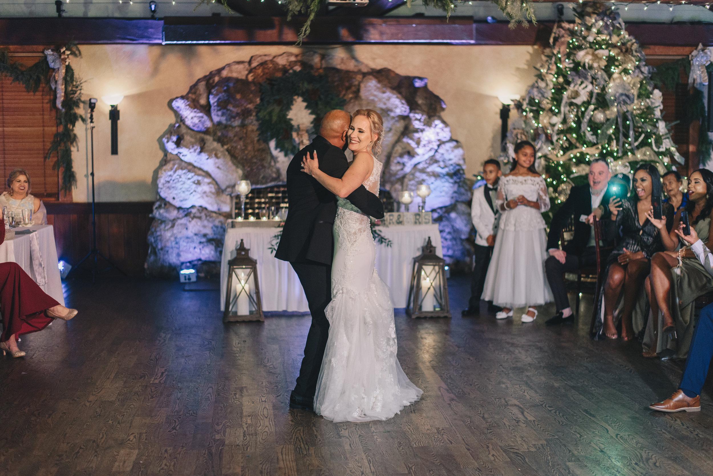 Los-Vargas-Photo-Wedding-Historic-Dubsdread-Ballroom-9096.jpg