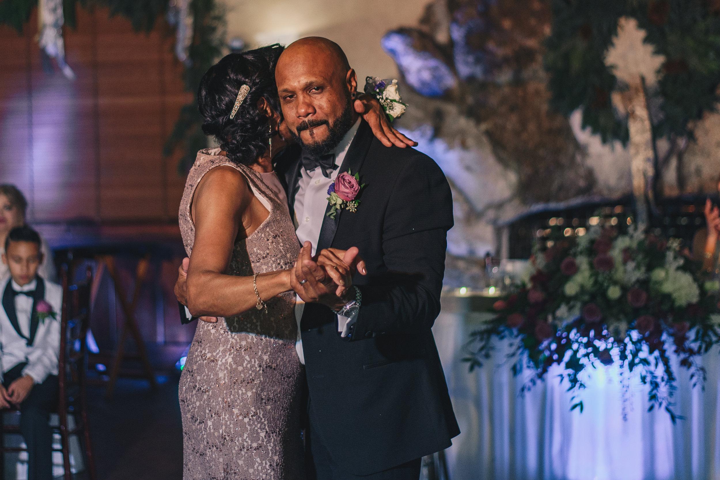 Los-Vargas-Photo-Wedding-Historic-Dubsdread-Ballroom-9289.jpg