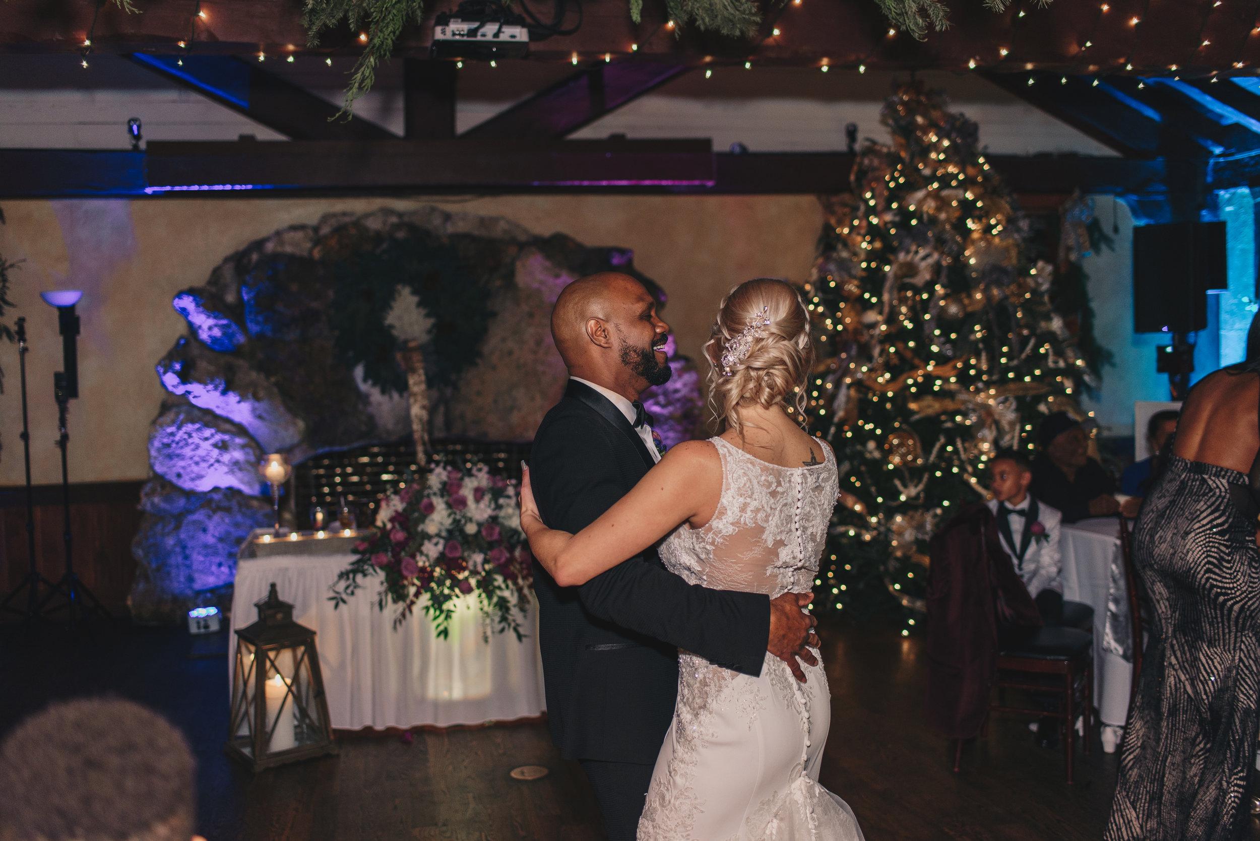Los-Vargas-Photo-Wedding-Historic-Dubsdread-Ballroom-9597.jpg