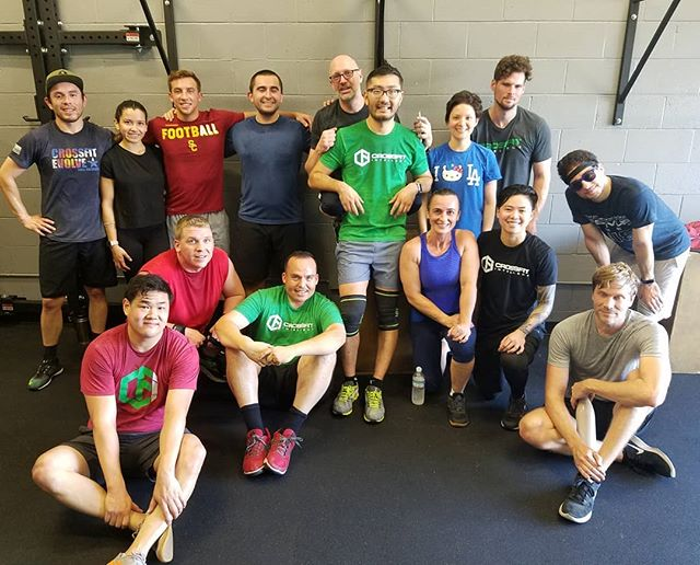 Had a great crew for our Thanksgiving day wod this morning!  Happy Thanksgiving everyone! 🦃🍗🥗🌽🍞🥧🍽 #crossfit #crossfitintellect #thanksgivingdaywod #donteattoomuch #orelseyoullpayforittomorrow #saveroomfordessert