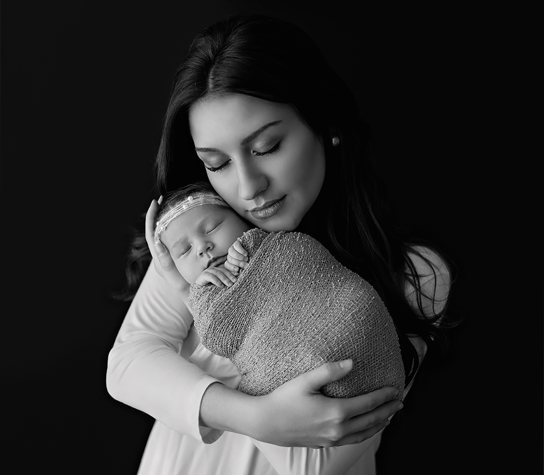 Hernando, MS Newborn photographer (2).png