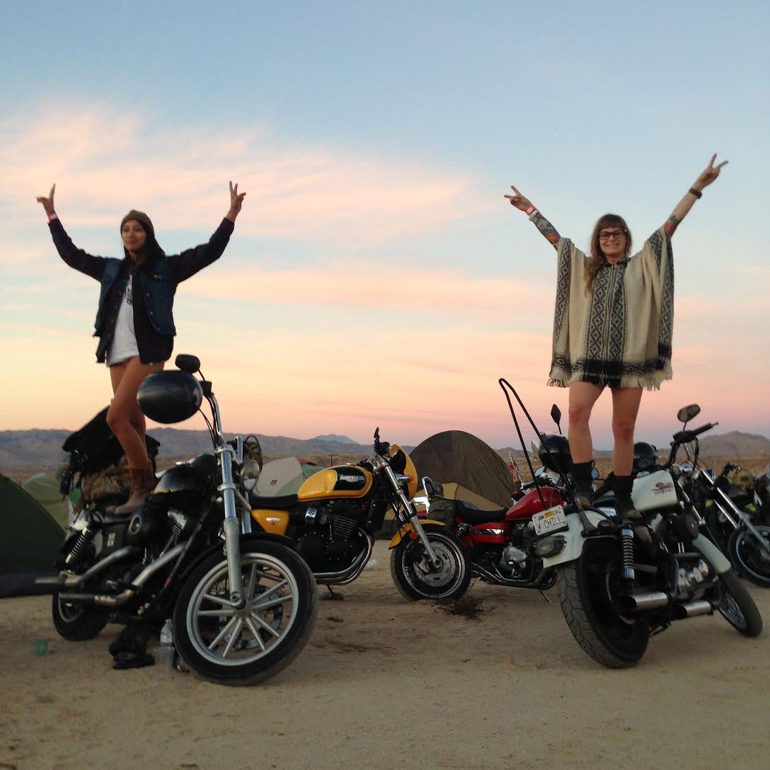@totalrecall and @chillmami at Babes Ride Out 2 aka Babes in Joshua Tree
