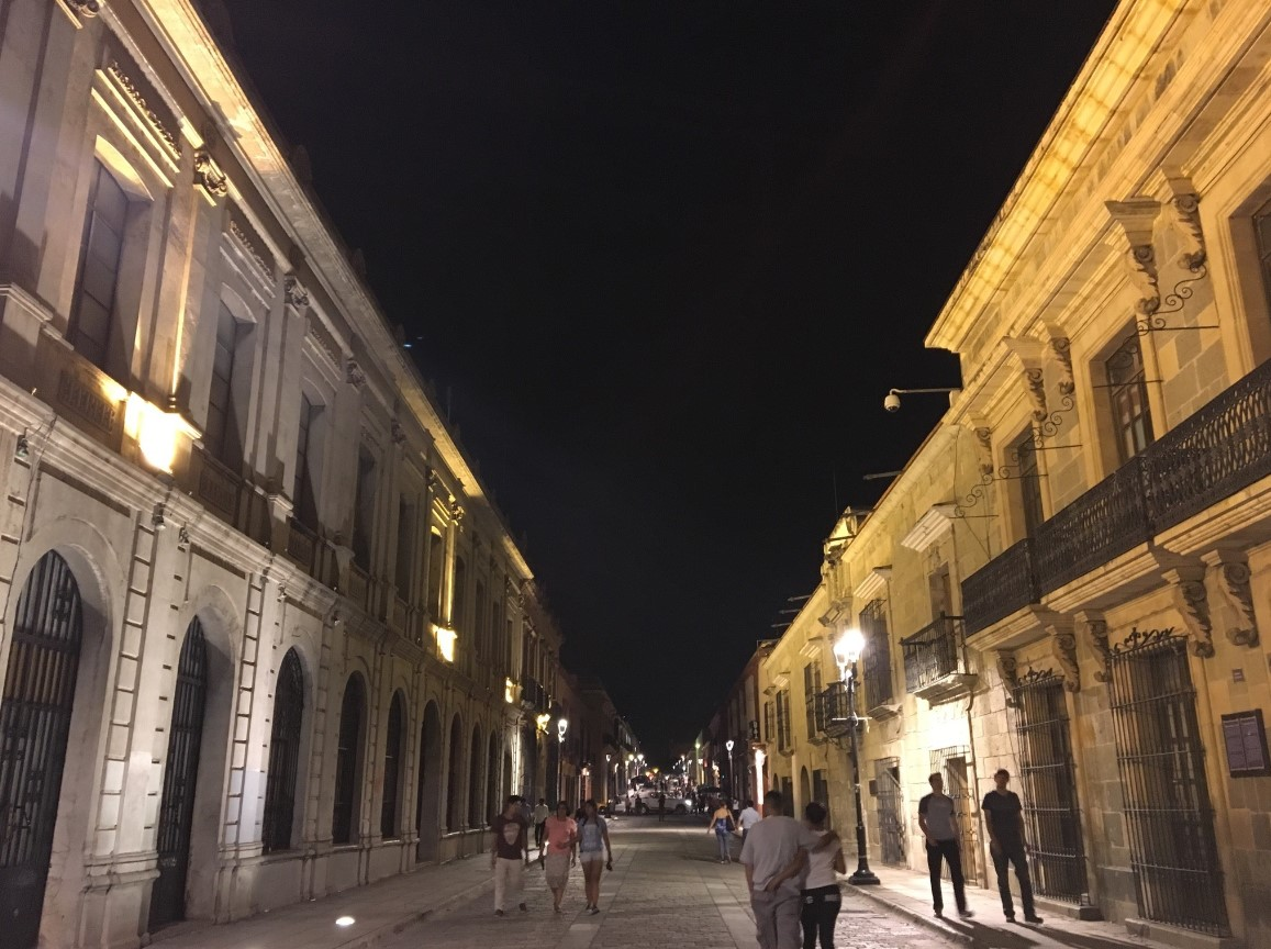 Night walking in central Mexico City