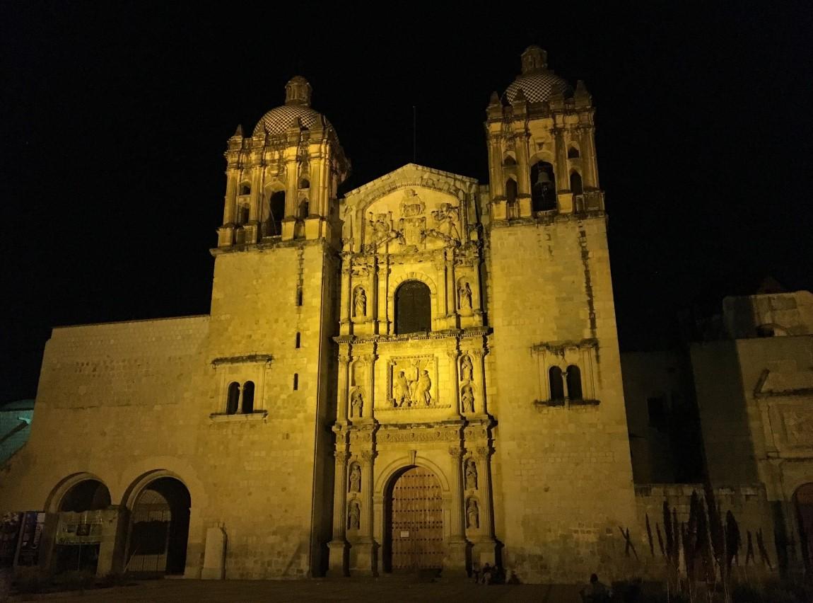 Templo de Santo Domingo De Guzman is a BEAUTIFUL church.