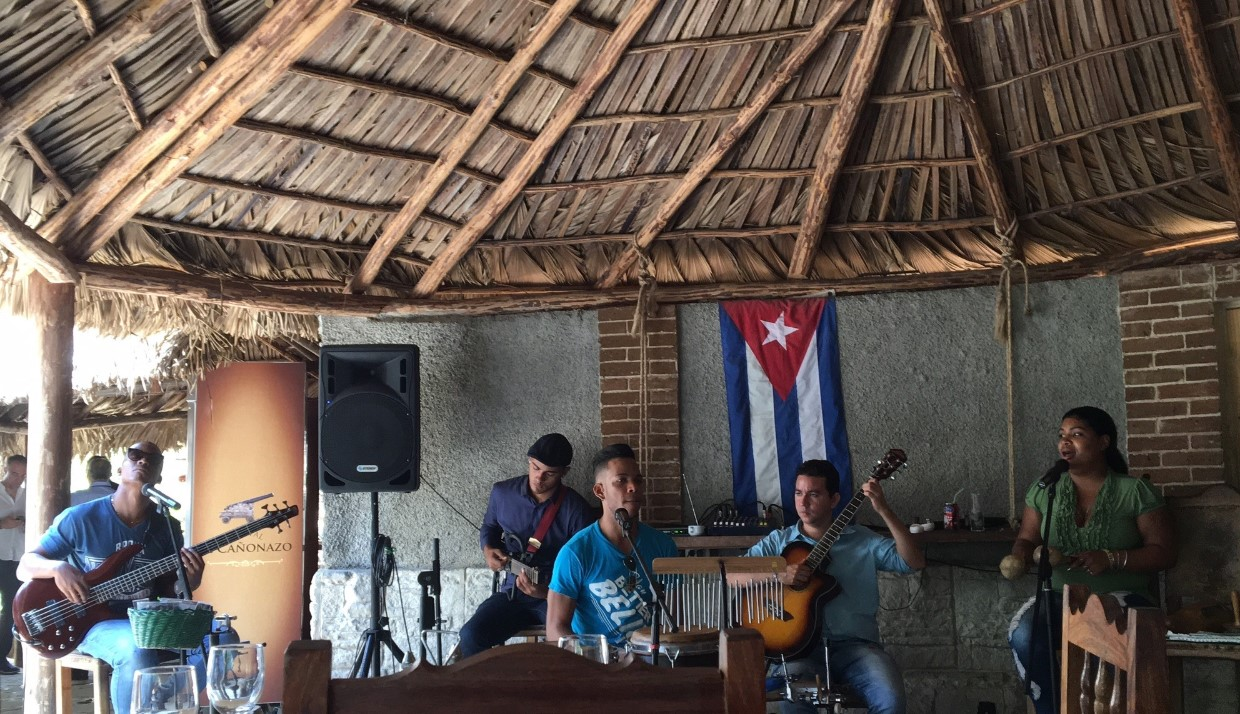 Cuban music is romantic and spiritual. There was plenty of it during our stay and we love every moment of it!