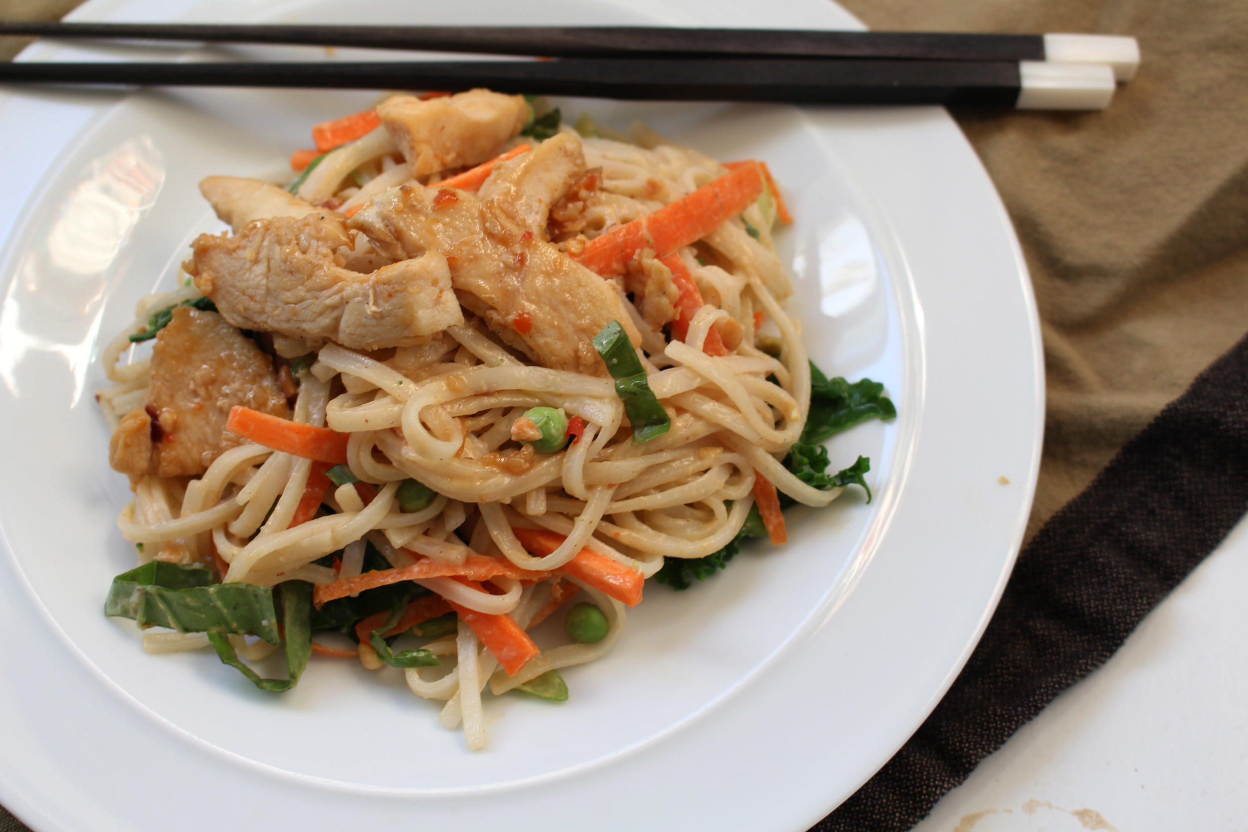 Kendra Castillo: Homemade Chicken Pad Thai Recipe