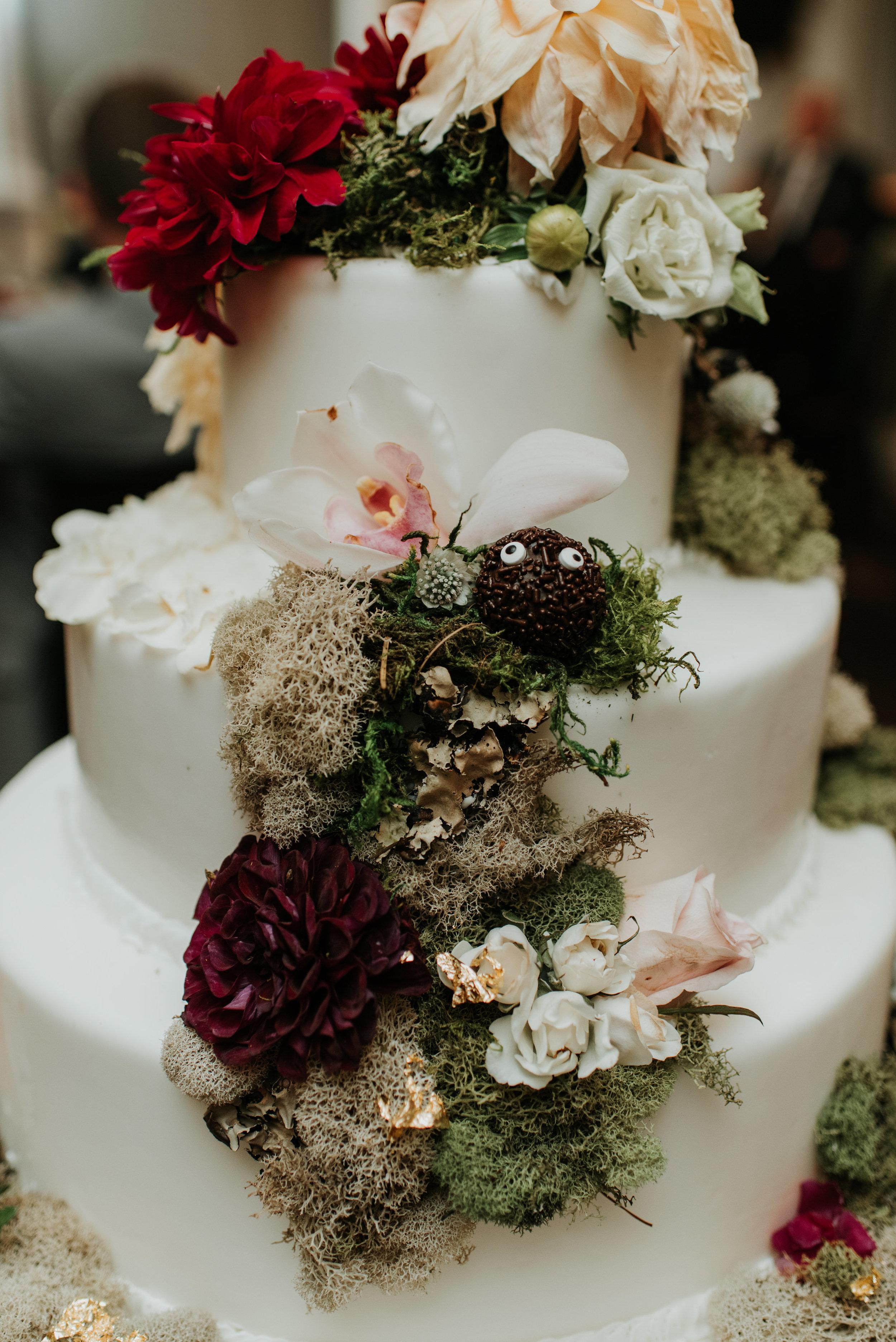 10 08 2017 Jessie and Matthew Daniel-10 Reception Cake-0005.jpg