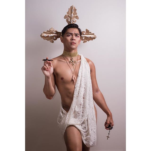 Christ the savior is born!!! #christmas2018#instagay#fineart#selfie#christian#jesus#saved#lgbtq#pinoy#nikon#gaystagram#pride#filipino#sacrilege