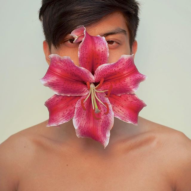 Going through allergy season feels like this. But with more snot and Kleenex boxes.  #ediblearrangements#shoulderaction#pinoy#floral#allergies#springtime#instagay#lilly#allegra#claritin