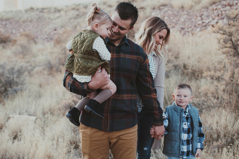 Family Pictures in Uintah Basin Utah