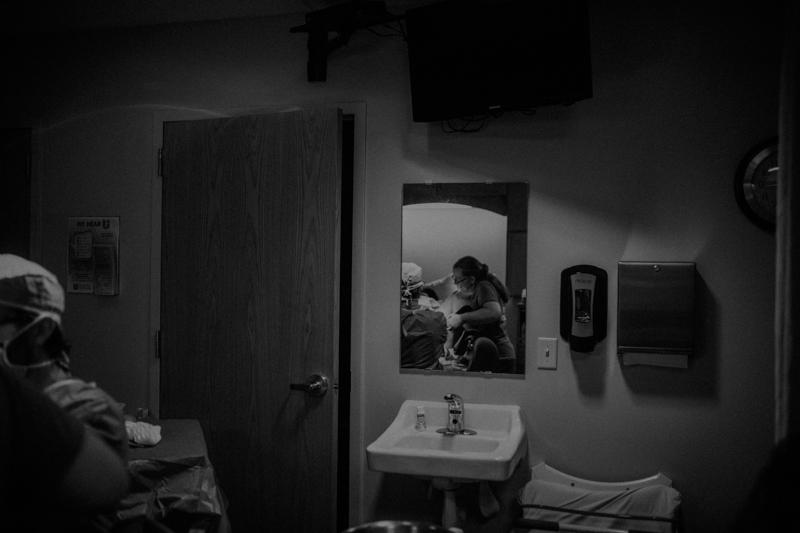 Uintah-Basin-Birth-Photographer-20.jpg