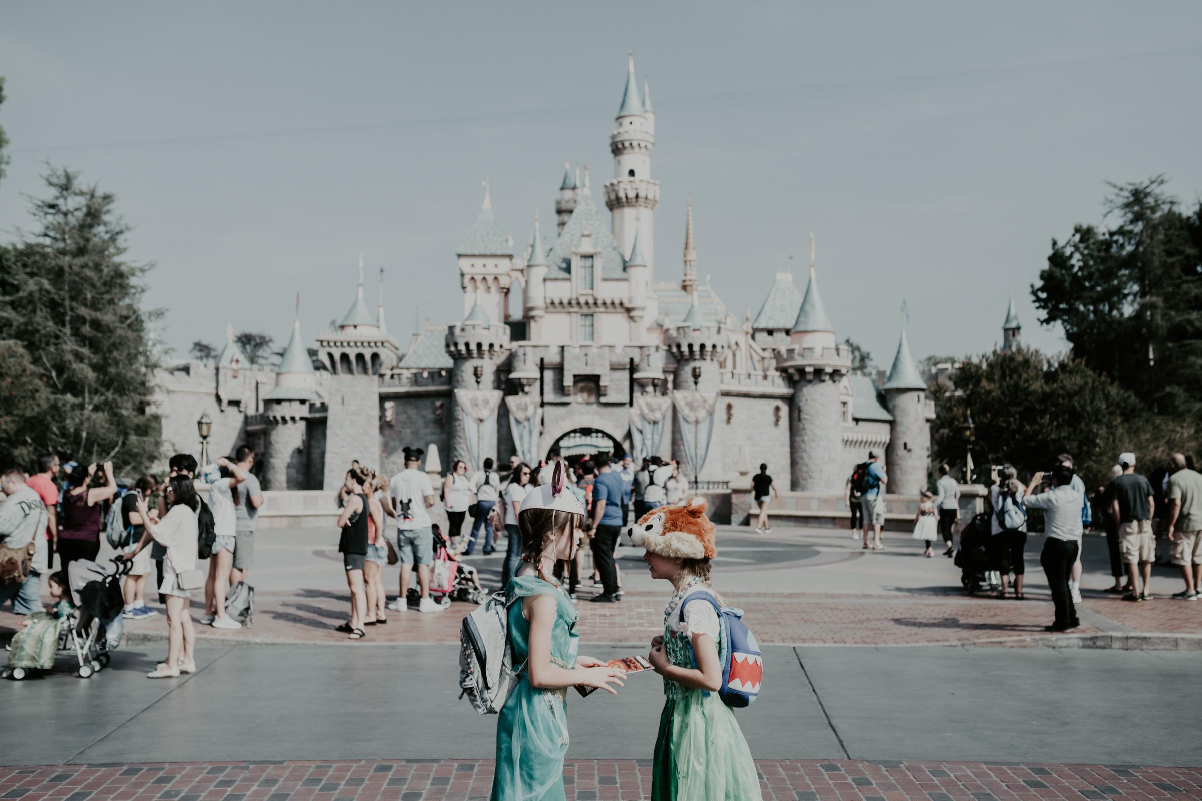 Anaheim-Disneyland-Family-Photographer-1-2.jpg