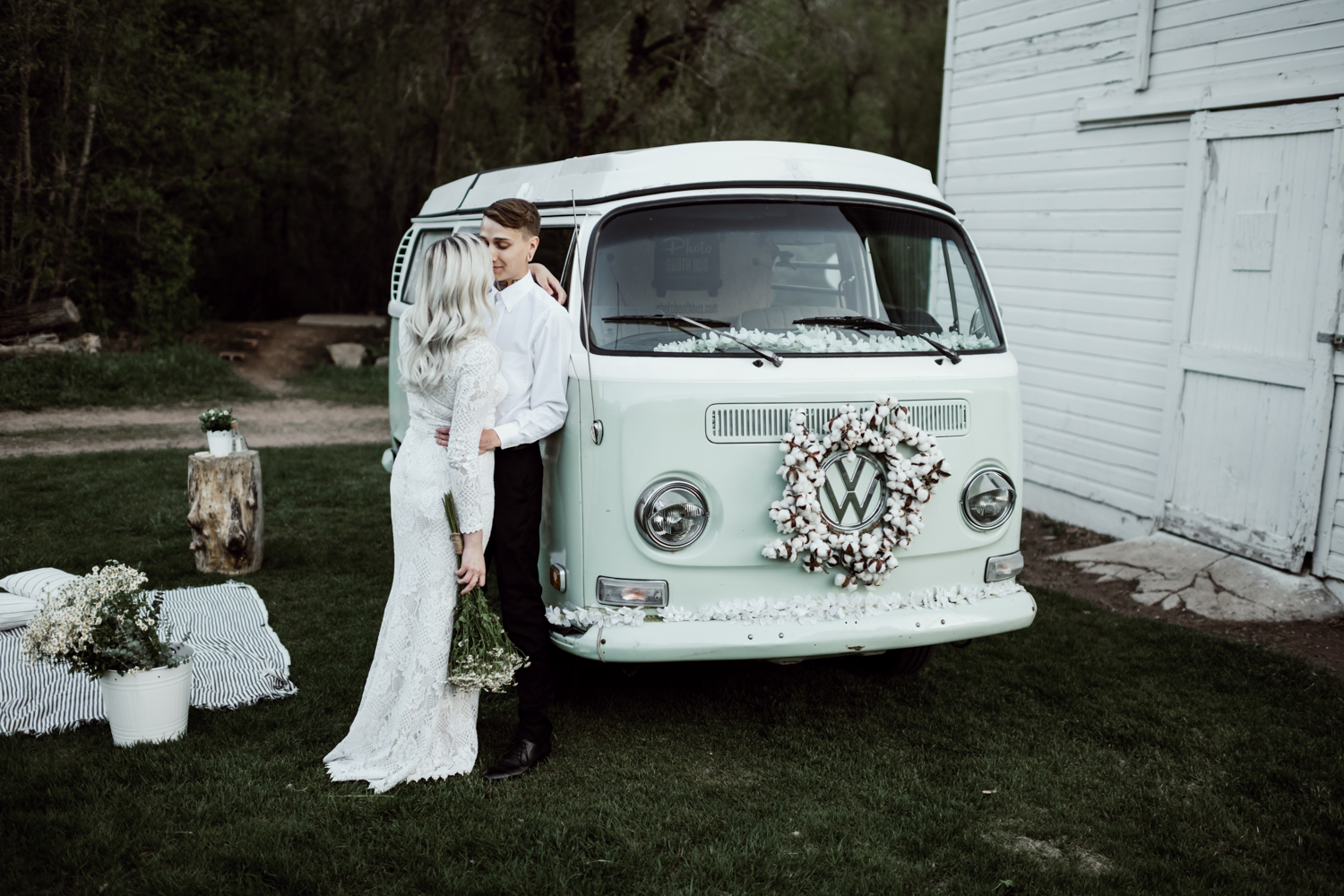 bridal couple with blue green vw bus