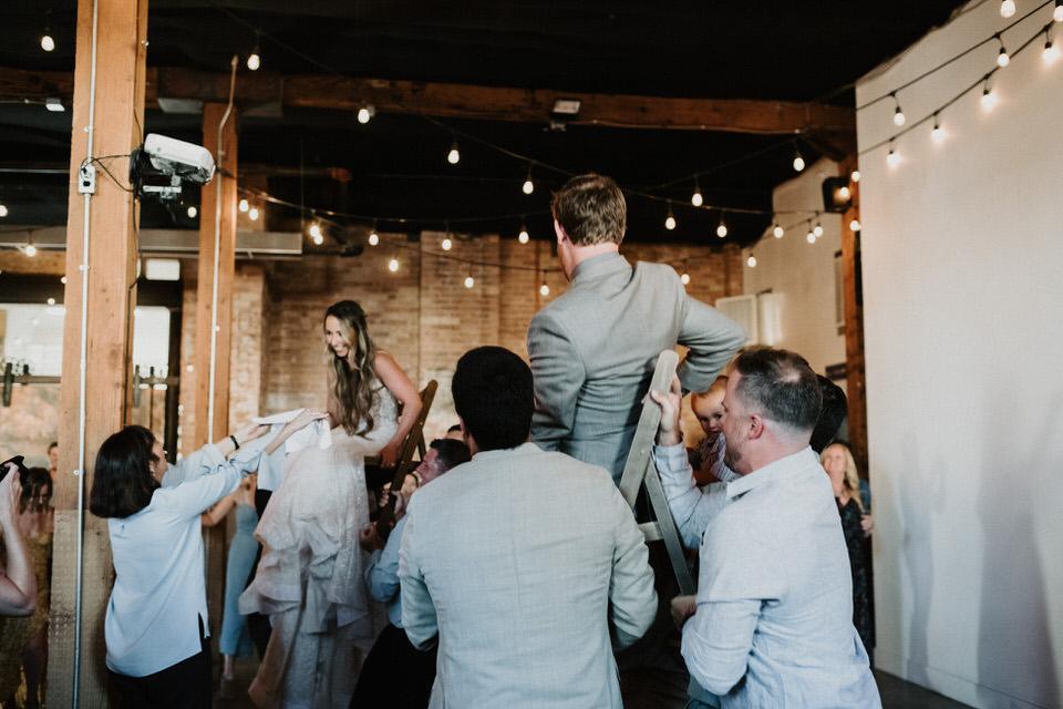 hora dance at wedding