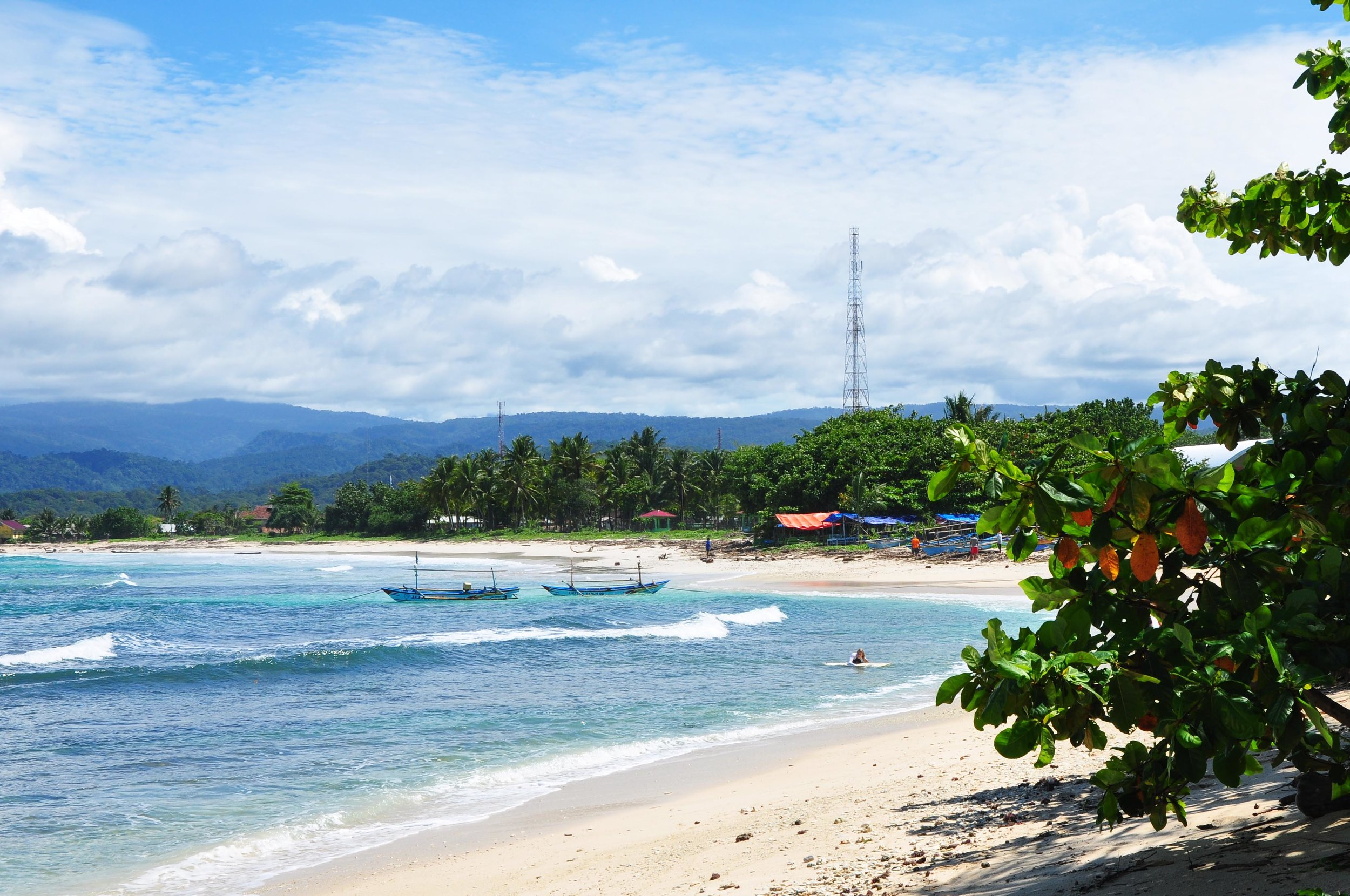 Which-islands-to-visit-outside-of-bali.jpg