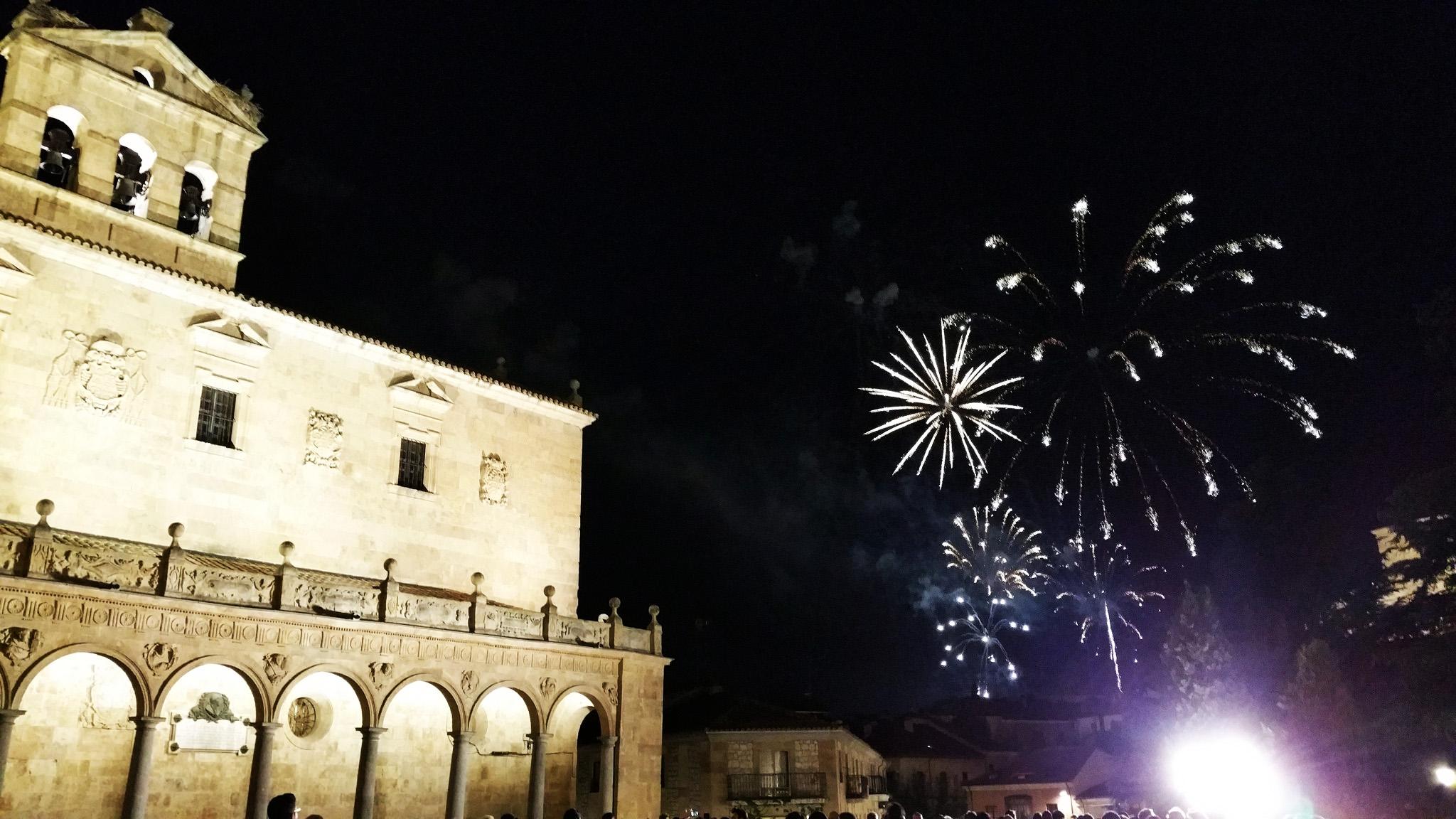 soi_55_travel_blog_spain_salalmanca_fireworks
