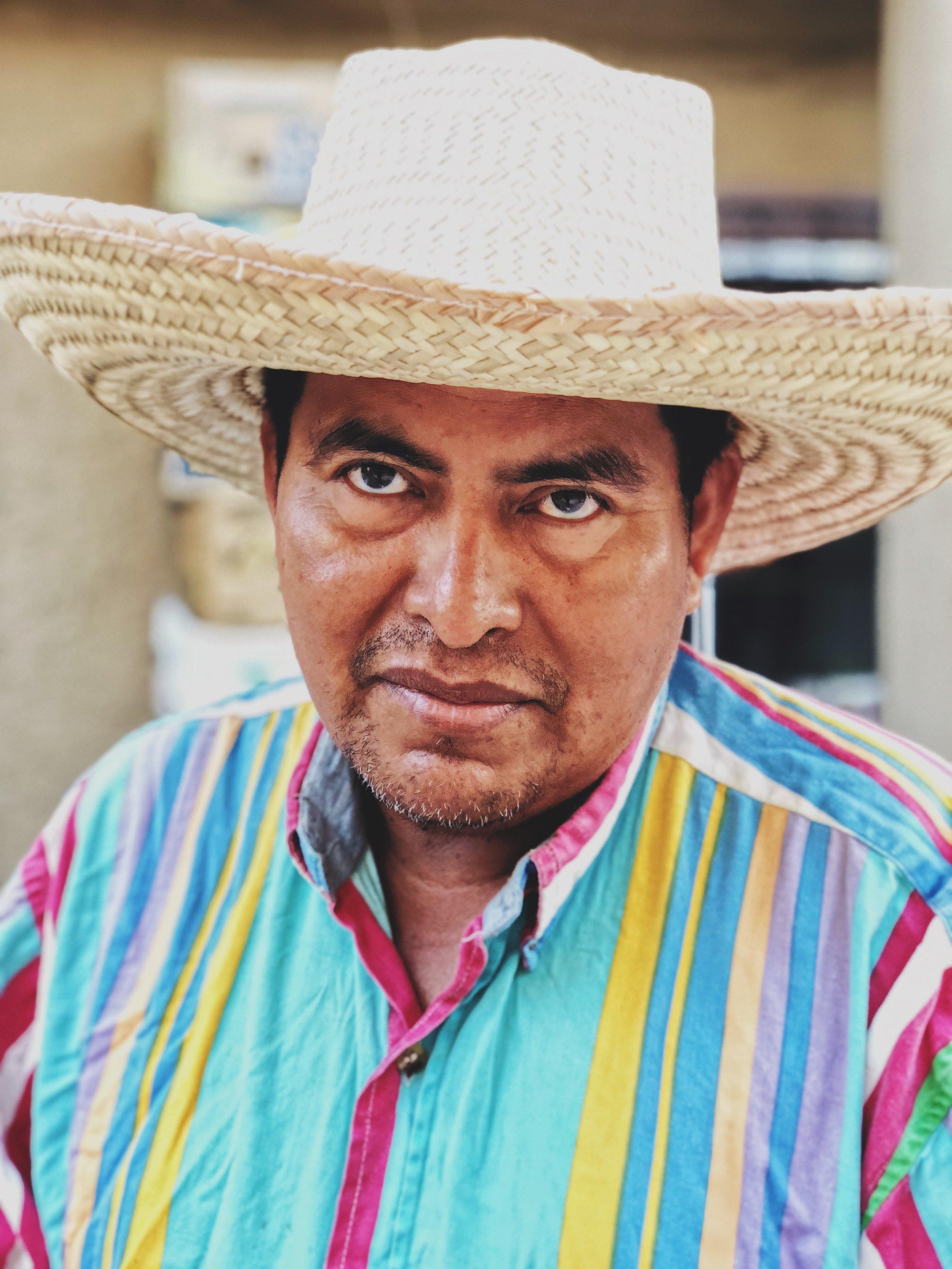 An artisan in México