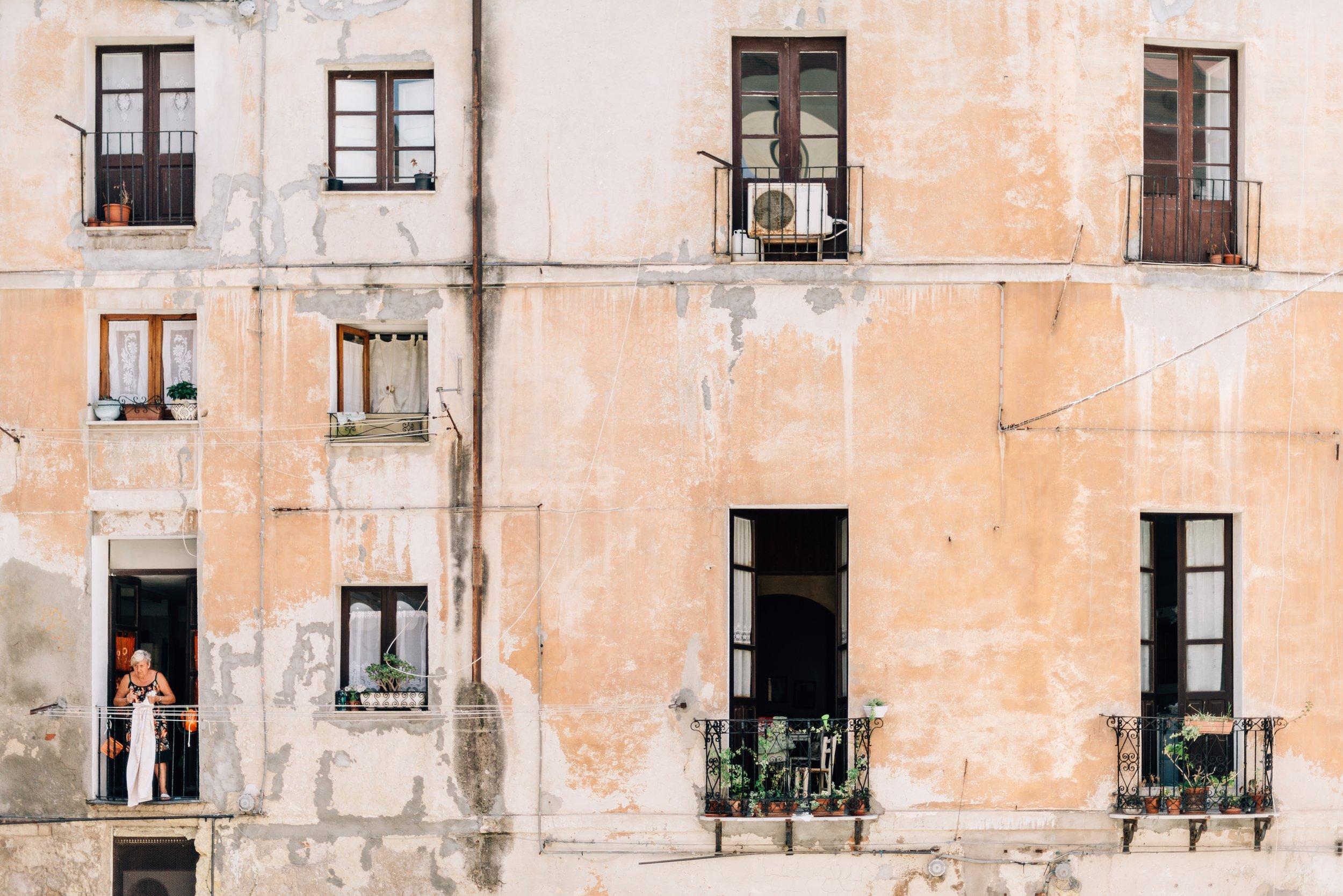 Italy-building.jpg