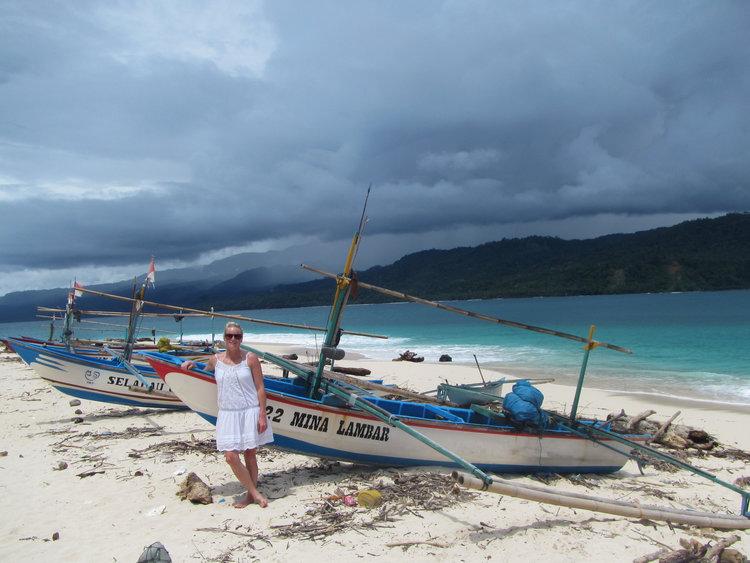 Pulau-Pisang-Indonesia 2.jpg