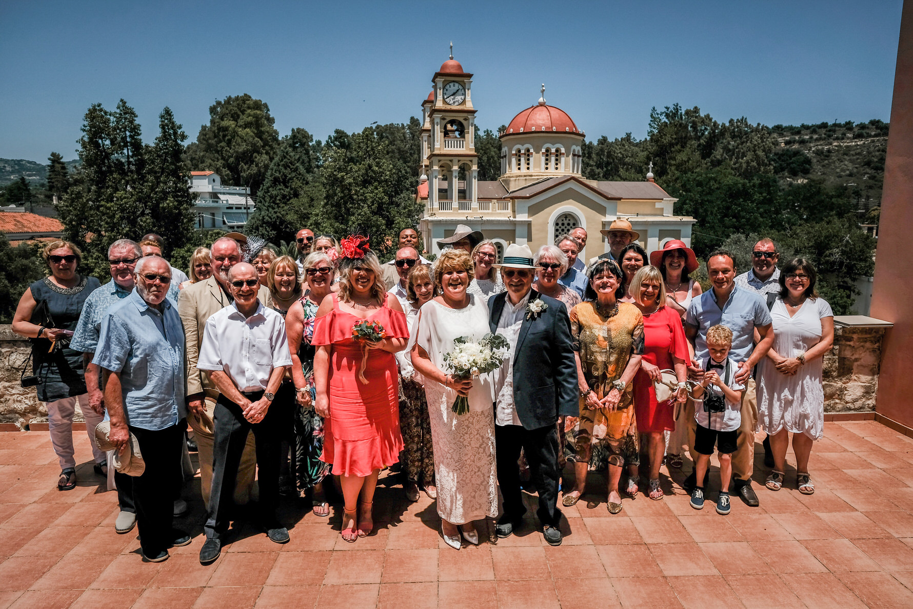 wedding-photojournalism-group-photograph-vrysses-cretan-wedding