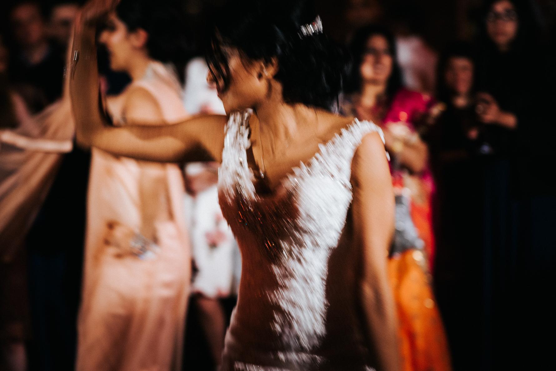 wedding-photojournalism-bride-on-dancefloor