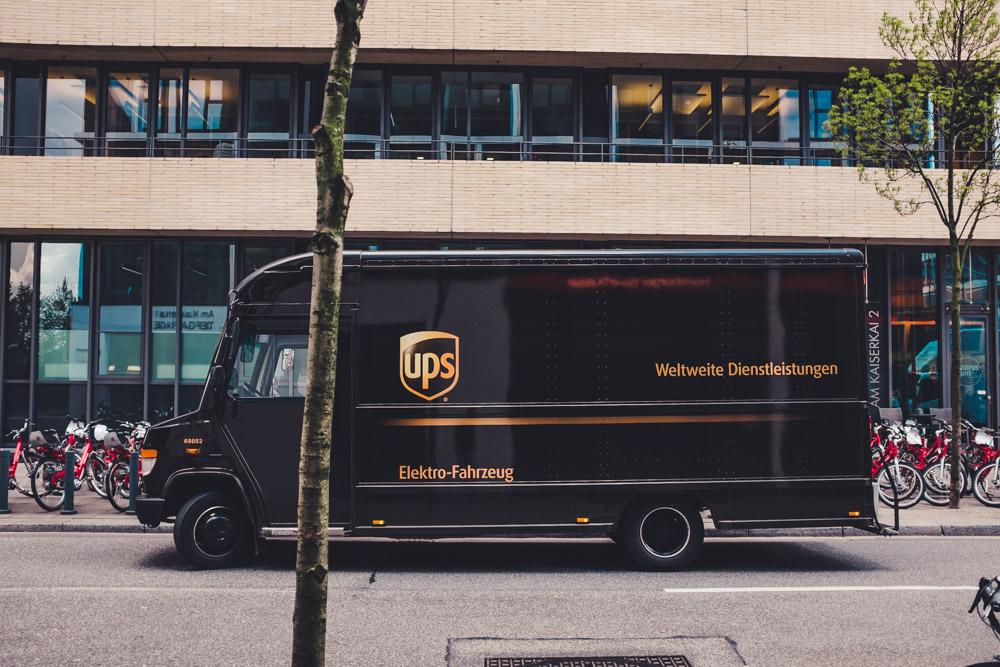 UPS Fahrzeug in der Hafencity Hamburg