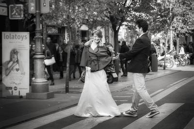 Aroa y Fernando   Pareja de modelos excepcional que formaba parte del Workshop de fotografía de bodas organizado por Eric Gibaud en Madrid. Sesión de fotos urbana por las calles del centro de Madrid en un ambiente de compañerismo inigualable.
