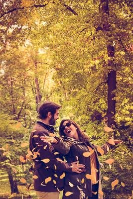 Toñi y Jesús   Sesión de pareja de Toñi y Jesús en el Parque del Moro de Madrid durante una mañana de Otoño. Una pareja súper feliz que quería tener un recuerdo para siempre de un momento único de sus vidas.